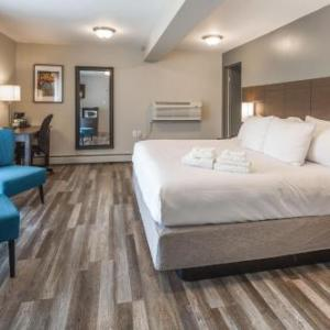 Hotels near Academy Theatre Lindsay - Kent Inn