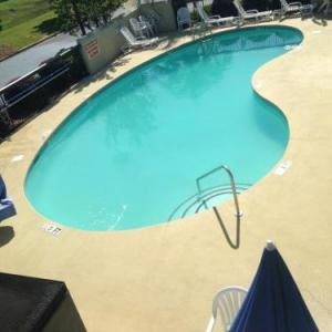 Oliver C. Dawson Stadium Hotels - Baymont By Wyndham Orangeburg North