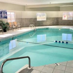 Hotels near Westfair Amphitheater - Red Roof Inn Suites Council Bluffs