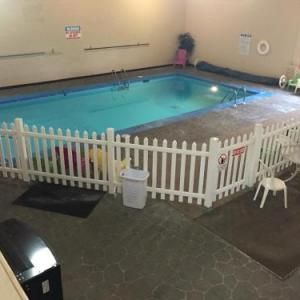 Hyslop Sports Center Hotels - Knights Inn and Suites -Grand Forks
