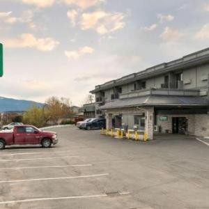 Vernon and District Performing Arts Centre Hotels - Super 8 Vernon Bc