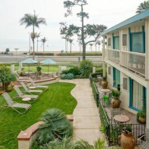 Hotels near Santa Barbara Zoo - Cabrillo Inn at the Beach