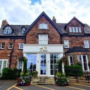 Hotels near Capesthorne Hall Macclesfield - Alderley Edge Hotel