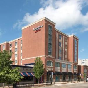 Canopy Club Hotels - TownePlace Suites by Marriott Champaign Urbana/Campustown