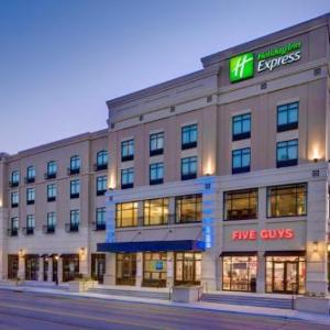 Holiday Inn Express And Suites Kansas City Ku Medical Center