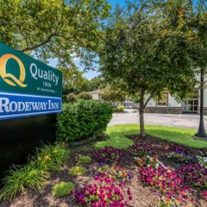 Hotels near Vassar College Chapel - Days Inn By Wyndham Poughkeepsie
