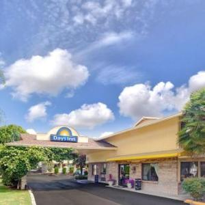 Hotels near Rainier Beach High School - Days Inn Seattle South/Tukwila