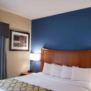 Pike Performing Arts Center Hotels - Baymont by Wyndham Indianapolis Northwest
