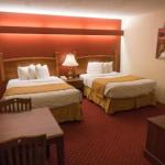 Shepherd Mountain Inn & Suites
