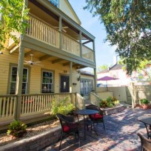 Book Now Agustin Inn - Saint Augustine (Saint Augustine, United States). Rooms Available for all budgets. This Saint Augustine Agustin Inn is 322 metres to Castillo de San Marcos and the Spanish Quarter Museum. Features include free public WiFi 24-hour coffee with flavoured syrups