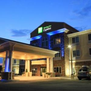 Hotels near Rostraver Ice Garden - Holiday Inn Express & Suites Belle Vernon