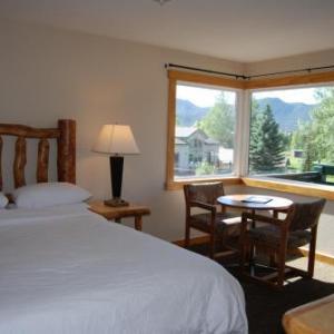 Stanley Live Estes Park Hotels - Discovery Lodge