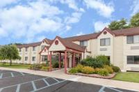 Baymont Inn & Suites Gaylord Image