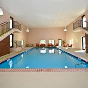 Manchester Heritage Inn Suites