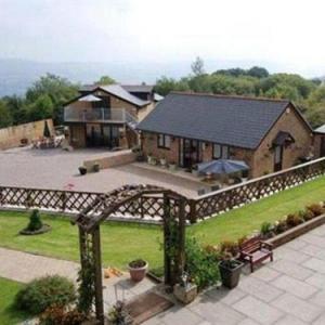Cyfarthfa Castle Hotels - Winchfawr Lodge