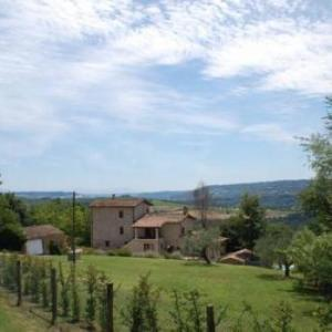 Book Now Casale in Teverina (Penna in Teverina, Italy). Rooms Available for all budgets. Featuring free WiFi Casale in Teverina offers pet-friendly accommodation in Penna in Teverina. Orvieto is 32 km away. Free private parking is available on site.There is a seat