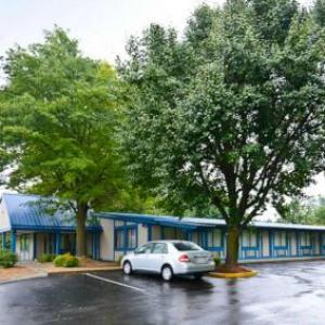 Americas Best Value Inn - Covington VA