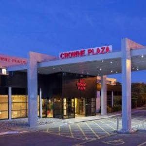 Hotels near Wythenshawe Forum - Crowne Plaza Manchester Airport
