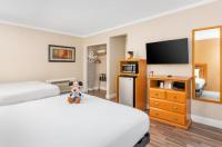 Anaheim Islander Inn And Suites Image
