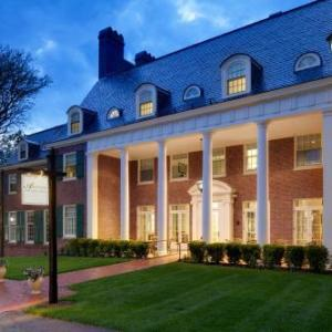 Hotels near J. Everett Collins Center - Andover Inn