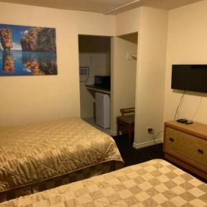 Travellers Choice Motel
