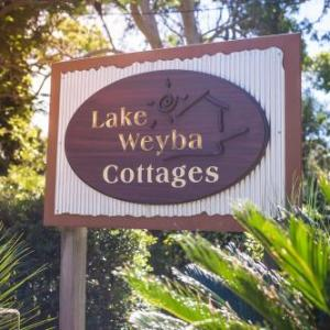 Coolum Football Club Hotels - Lake Weyba Cottages Noosa