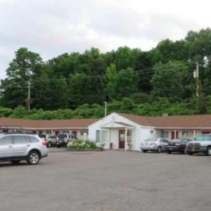 Book Now Cortland Motel (Cortland, United States). Rooms Available for all budgets. Cortland Motel is situated in Cortland 4.3 km from SUNY Cortland. Free private parking is available on site.The rooms are equipped with a private bathroom fitted with a bath o