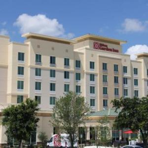 Hotels near Six Flags Fiesta Texas - Hilton Garden Inn San Antonio The Rim