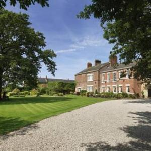 Hotels near Valiants Farm Preston - Singleton Lodge Country House Hotel