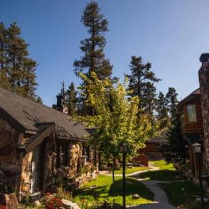 Hotels near The Cave Big Bear - Embers Lodge & Cabins
