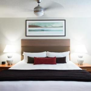 Hotels near Doug Mitchell Thunderbird Sports Centre - West Coast Suites At Ubc