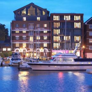 Hotels near Ipswich Regent Theatre - Salthouse Harbour Hotel