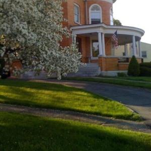 Book Now WC Lipe Mansion (Syracuse, United States). Rooms Available for all budgets. WC Lipe Mansion is a Colonial Revival Mansion located in Syracuse. Free WiFi access is available. The bed and breakfast features an outdoor dining area stained glass windows a