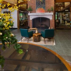 Kimball Theatre Hotels - Williamsburg Woodlands Hotel - A Colonial Williamsburg Hotel