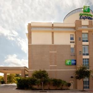 Holiday Inn Express Hotel & Suites San Antonio -Rivercenter Area