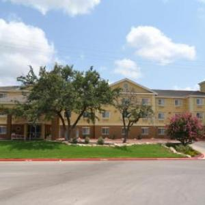Hotels near Canyon Springs Golf Club - Holiday Inn Express & Suites San Antonio-Airport North