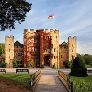 Lingfield Park Racecourse Hotels - Hever Castle Luxury Bed and Breakfast