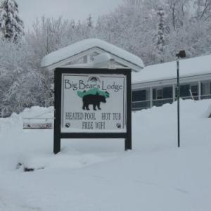 Mount Snow Dover Hotels - Big Bears Lodge