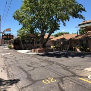 Bishop Elms Motel