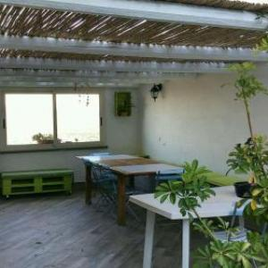 Book Now Bella Vista (Cuglieri, Italy). Rooms Available for all budgets. Located in Cuglieri this holiday home is 46 km from Alghero. The unit is 32 km from Oristano.Towels and bed linen are featured in this holiday home. Other facilities at Bella