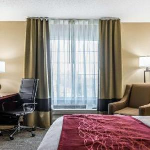 Somerset Amphitheater Hotels - Comfort Inn & Suites Stillwater
