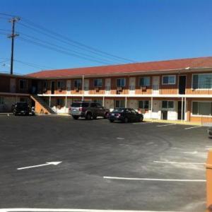 Seattle Design Center Hotels - La Hacienda Motel