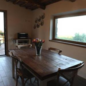 Book Now Antico Corniolo (Gradoli, Italy). Rooms Available for all budgets. Set in Gradoli in the Lazio Region this detached holiday home features a terrace and a garden with a barbecue and a sun terrace. The property is 28 km from Saturnia and free p