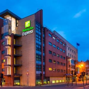 Hotels near The Old Fruitmarket Glasgow - Holiday Inn Express -Glasgow -City Ctr Riverside