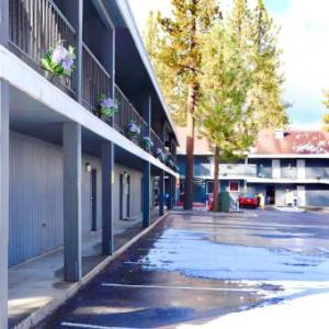 Hotels near Snow Valley Mountain Resort - Travelodge Big Bear Lake Ca