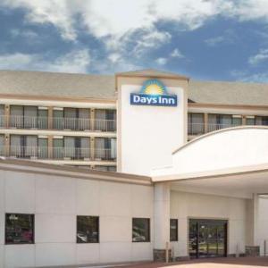 Days Inn by Wyndham Columbus-North Fort Benning