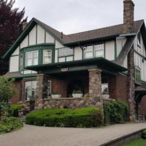 Queens Landing Guest House