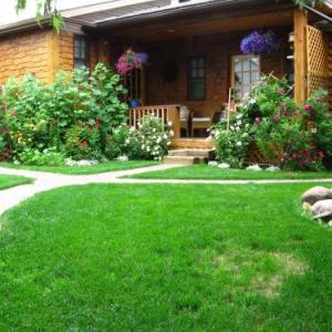 Prairie Winds Park Hotels - Tending Gardens B&b