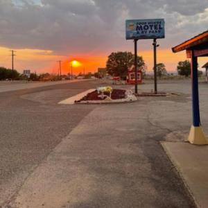 Four Winds Motel