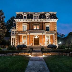 Hotels near Thompson Raceway Park - Steele Mansion Inn & Gathering Hub